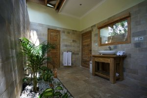 bathroom view villa Maria Gili Trawangan